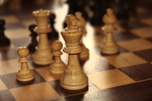 1280px-Chess-king